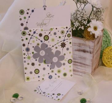 Invitatie nunta stil vintage cu doua floricele gri