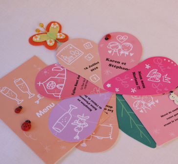 Invitatie de nunta in forma de petale