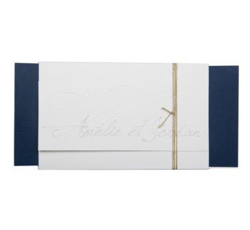 Invitatie de nunta tip plic pe carton alb si albastru