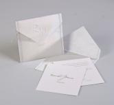 Invitatie de nunta tip plic cu monograma embosata