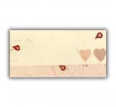 Card de asezare cu petale si doua inimioare