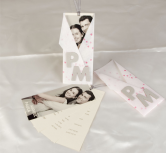 Invitatie de nunta cu poza si initialele mirilor